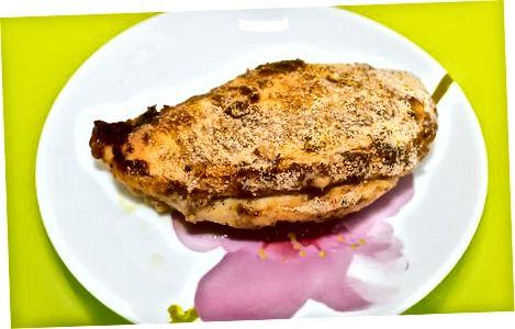 Küpsetatud parmesani kooritud kana