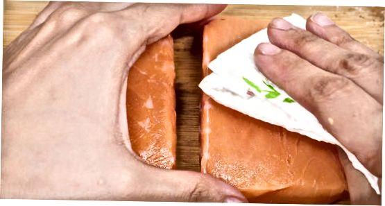 Nota krydd á bakaðan fisk
