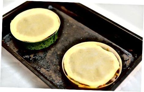 הכנת עוגות בצק עלים מיני-קריאוליות