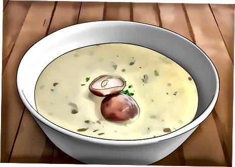 سبزیوں کے ساتھ اپنے سوپ کو ٹاپ کرنا