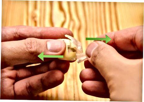 制作炸大蒜蘑菇
