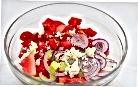 ტრადიციული ბერძნული საზამთროს სალათის დამზადება