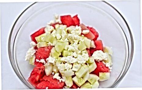 ბერძნული საზამთროს სალათის მომზადება კუსკუსთან ერთად