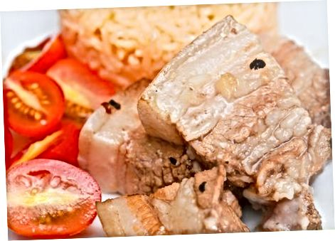 Marinuota kiauliena sūryme skoniui ir konservavimui