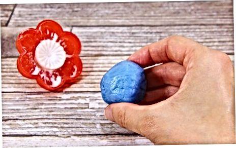 Criando Flores Fondant com um Molde