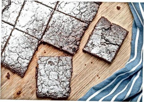Paghurno ng Basic Chocolate Brownies