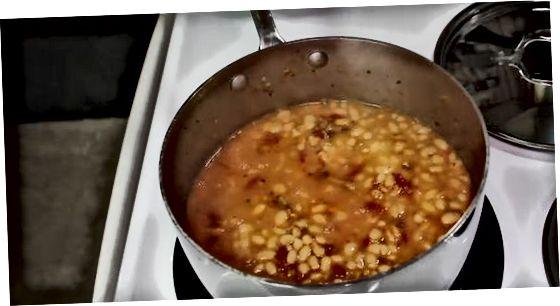Beenden Sie Ihre einfache Navy Bean Dish