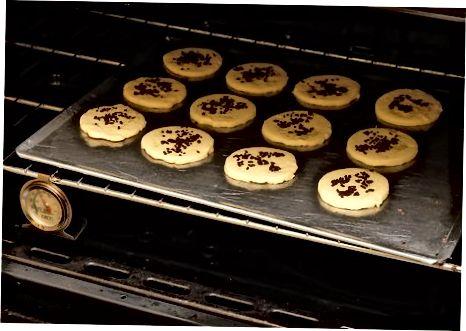 De koekjes bakken en versieren