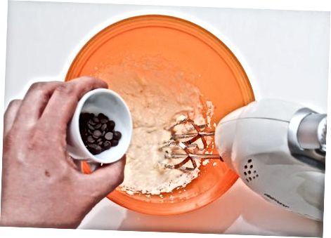 Shokoladli chipli pechene xamirini to'kib tashlang