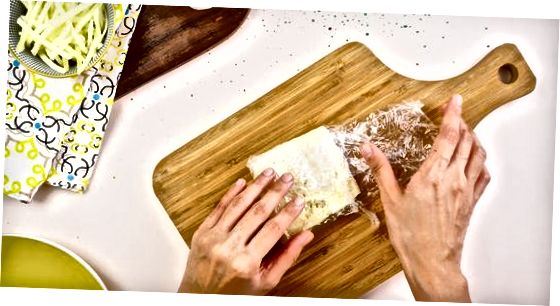 Geymir brauð og rifinn mozzarella