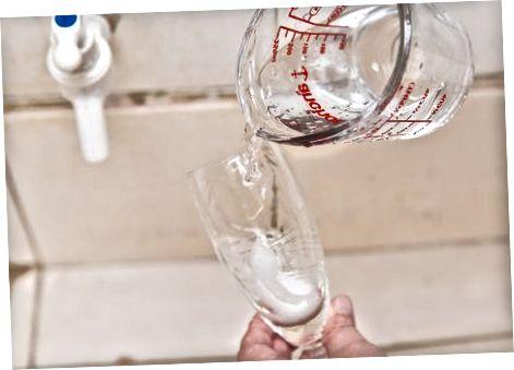 Очищення кришталевих бокалів для вина