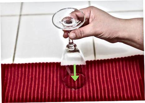 Kristallveiniklaaside puhastamine