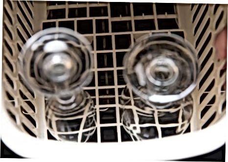 Tavaliste veiniklaaside puhastamine