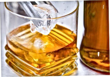 ემსახურება ალკოჰოლს პირდაპირ