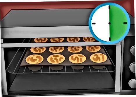 Að búa til Mac og Ostur Cupcakes