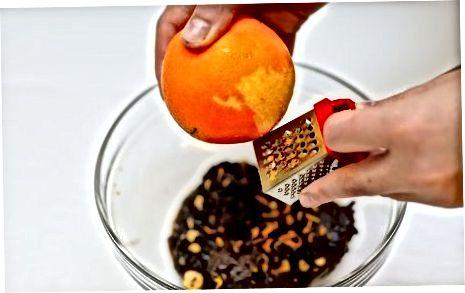 准备辣橙榛子巧克力树皮