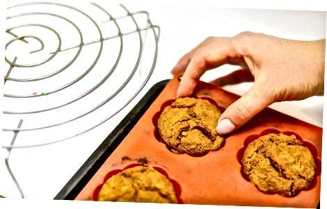 制作健康的苹果松饼