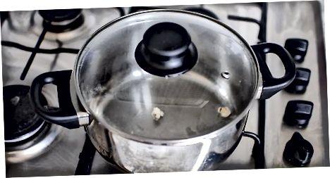 Marrja e kokoshkave të thjeshta stovetop