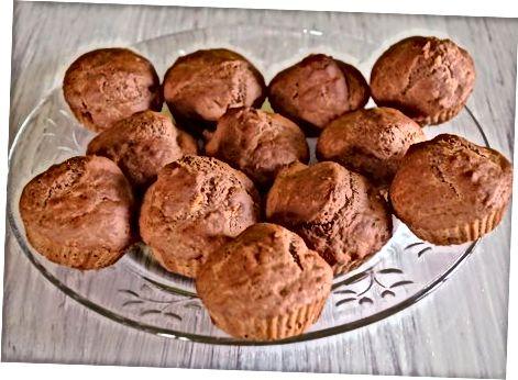 הכנת קאפקייקס שוקולד ללא ביצים בעזרת בננות