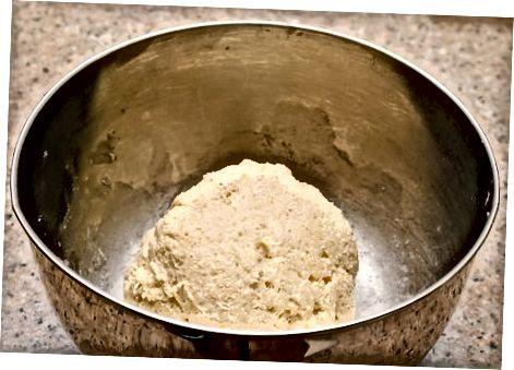 تهیه خمیر برای پوسته