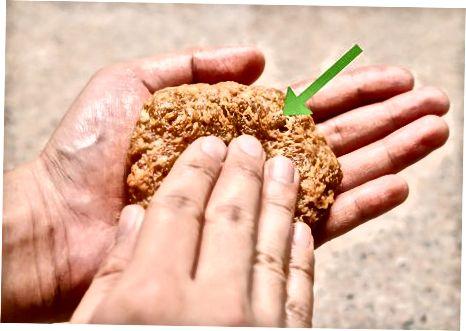 দ্রুত গাইরো মাংস তৈরি করা হচ্ছে