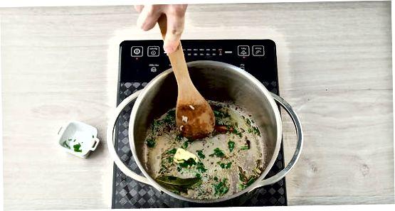 Pripravimo riž in začimbe ločeno