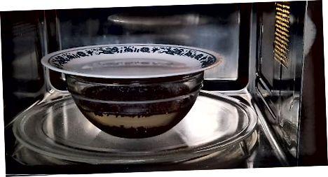 Qora Quinoa mikroto'lqinli pechi