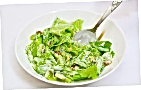 Honeyed Kiwifruit And Pecan Salat