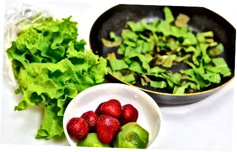 Bær-, spinat- og kiwifrudsalat