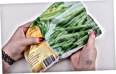 Pliidi peal roheliste köögiviljade keetmine