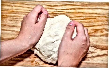 Простий білий хліб