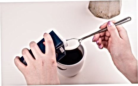 Shakar ko'pikli kubikli kofe tayyorlash