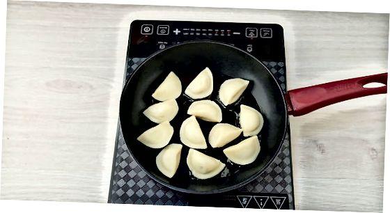 Кување свеже смрзнутих (не куваних) пирогија