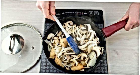 Рецепт: Пире од пиреа са луком и гљивама