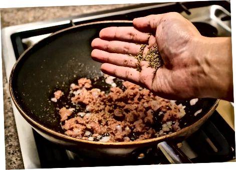 Izdelava omake za lazanje