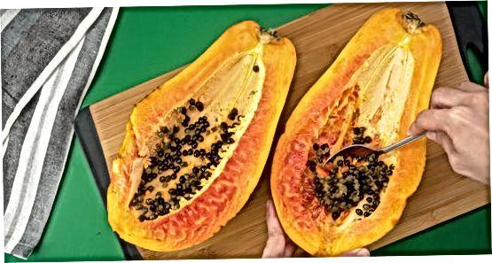 Papaya urug'idan lazzatlanish
