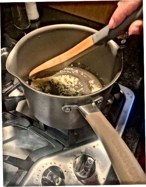 Å lage Koshari-saus