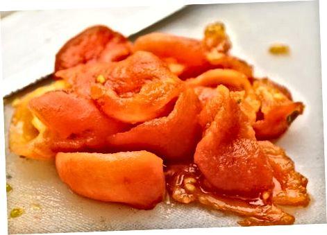 Muzlatilgan tozalangan pomidor
