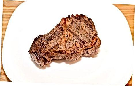 Sirloin-pechkali qovurilgan biftek