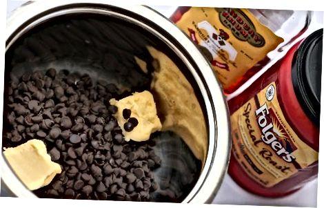 הכנת מילוי מוס השוקולד