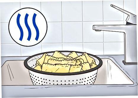निचरा आणि थंड लसाग्ना नूडल्स