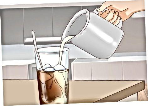 Pieno ir saldiklių pridėjimas