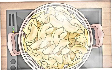 Попередньо приготуйте яблука