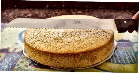 Nivelimi i tortës tuaj me një thikë