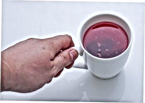 Nalijte kremo z jasminovim čajem