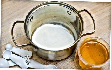Fazendo favo de mel
