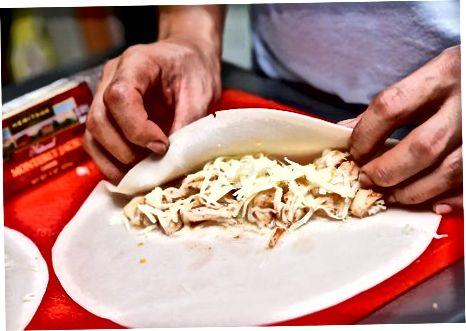 Nordon qaymoqli tovuq Enchiladas