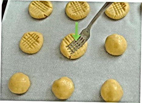 تهیه کوکی کره ساده بادام زمینی