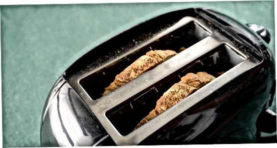 Duke shkrirë dhe freskuar bukën tuaj