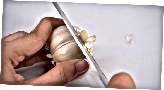 Прављење печеног чешњака у рерни